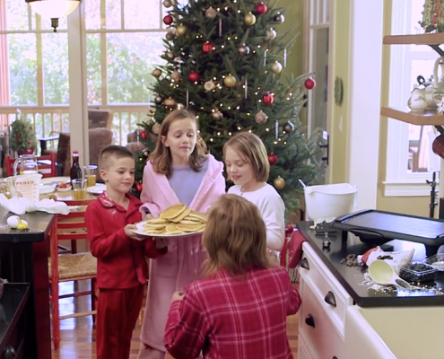 Ingles christmas morning video